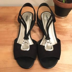 East 5th Black Fabric Wedge Pumps SIZE 9.5M